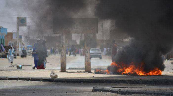 صورة من احتجاجات عنيفة في نواكشوط ضد قانون السير