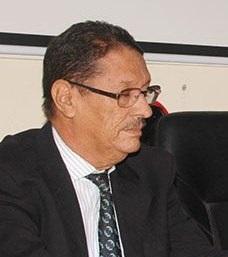 الدكتور محمد سيديا ولد خباز مدير المدرسة