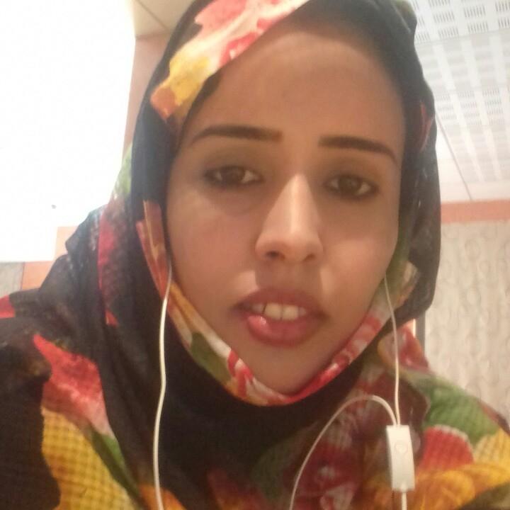 الصحفية خديجة بنت ذو النورين