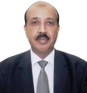 أحمد مصطفى كاتب صحفي ودبلوماسي سابق