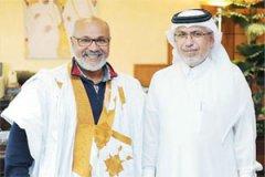رئيس تحرير الشرق مع الرحالة الموريتاني